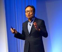 法人顧客向けのイベント「ソフトバンクワールド2018」に登壇したソフトバンクの宮内謙社長