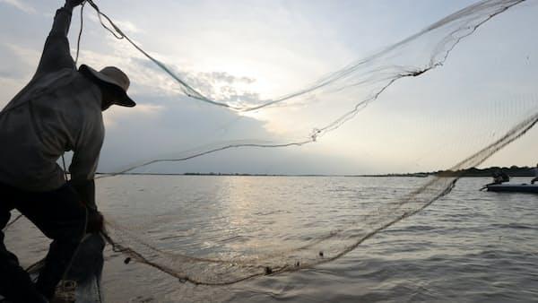 ダムが揺さぶるメコン川流域の水上生活(IN FOCUS)