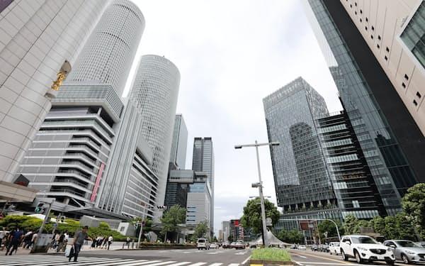 リニア新駅の建設に伴い、名古屋駅前ではビルの建て替え計画が相次いでいる(名古屋市中村区)