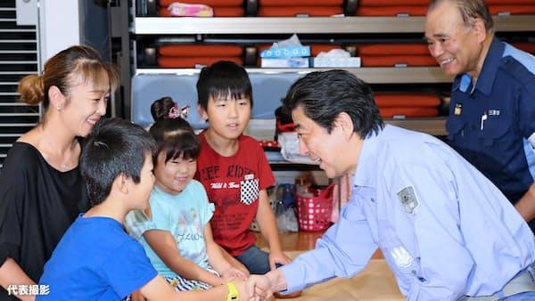 首相、広島を訪問 西日本豪雨の被災状況視察