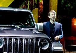FCAの新CEOに就任したマイケル・マンリー氏(3月、ジュネーブ国際自動車ショー)