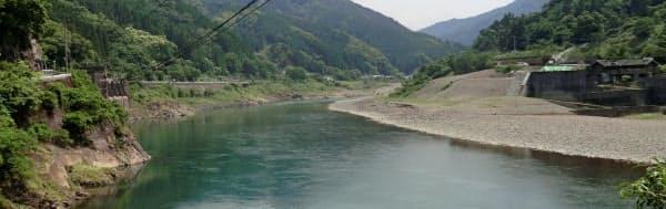 ダム撤去後の球磨川(18年5月)=同