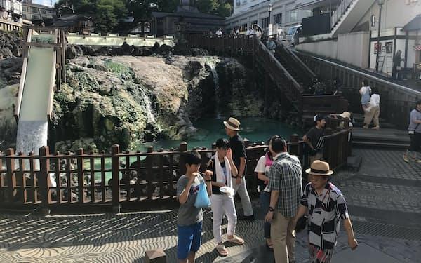 観光客の減少が続いている草津温泉(24日、群馬県草津町)