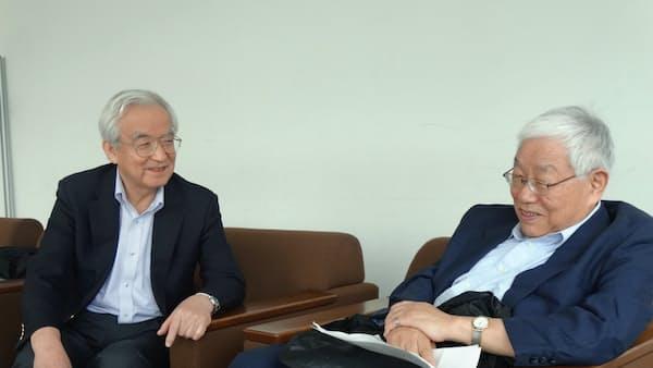 キーマン対談 量的緩和「終了も一理」浜田宏一氏 物価目標「取り下げるべきではない」岩村充氏