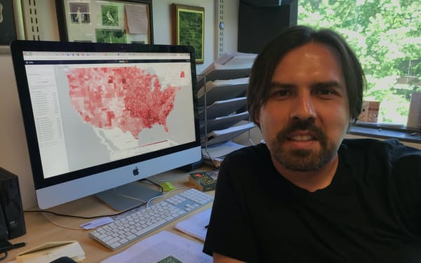 MITのイダルゴ准教授は「AI直接民主主義」を研究する