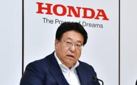 決算発表するホンダの倉石副社長(31日午後、東京都港区)