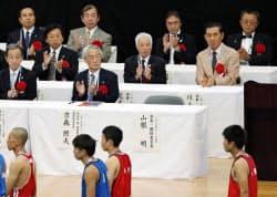 全国高校総体のボクシング開会式。日本ボクシング連盟の山根明会長は姿を現さず空席だった(1日)=共同