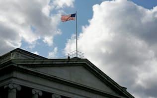 米財務省は1日に国債の増発を発表した=ロイター