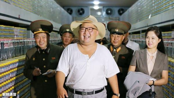 北朝鮮猛暑、金正恩氏がシャツで視察 干ばつ懸念