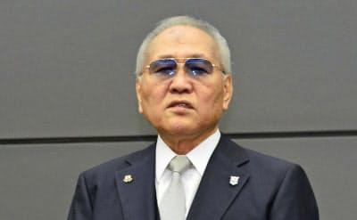 8日、辞任を表明する日本ボクシング連盟の山根明会長=共同