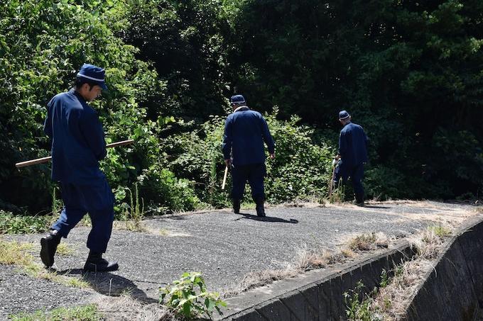 山中の捜索後回しに、380人動員も課題残す 山口2歳児保護: 日本経済新聞