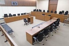 報道陣に公開された裁判所新庁舎の101号法廷(16日、福岡市中央区)