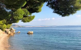 アドリア海の最奥部に位置するトリエステ