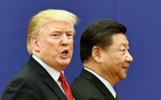 トランプ米大統領(左)と中国の習近平国家主席=共同