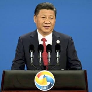 2017年5月、北京で開いた「一帯一路」の国際会議の開幕式で演説した中国の習近平(シー・ジンピン)国家主席(共同)