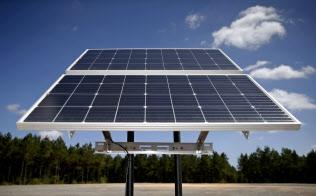 米陸軍は太陽エネルギー利用で基地の強靱性の強化を狙う=ロイター
