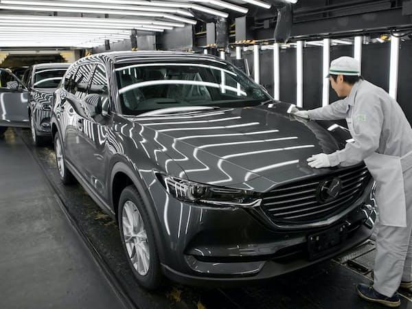 マツダは「CX-8」などSUVを生産する(広島市の本社工場)