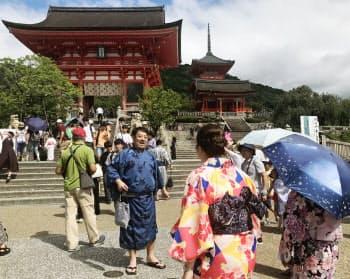 清水寺周辺はレンタル着物店が20店以上ある