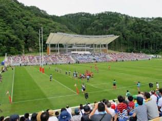 釜石鵜住居復興スタジアムのオープニングイベントには約6500人が詰めかけた(8月19日、岩手県釜石市)