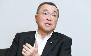 自民党の宮沢洋一税制調査会長(31日、東京・永田町)