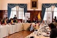 4日に閉会した難民対策会議には中南米13カ国の代表が集まった(エクアドル・キト)