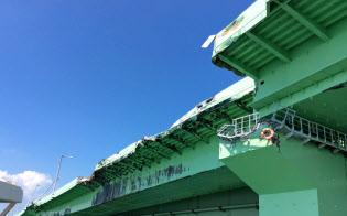 タンカー衝突で損壊した関空連絡橋