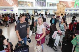 国際線の運航が再開した新千歳空港の国際線ターミナル(8日午前)