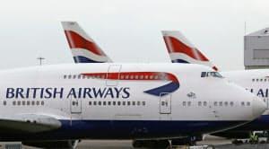 クレジットカードの詳細を含む約38万件の顧客情報が流出した(英ヒースロー空港に駐機するBA機)=AP