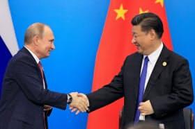ロシアのプーチン大統領が、中国と過去最大の軍事演習を実施するなど習近平氏との関係を深化させていることに米国はもっと警戒すべきだとの声も=ロイター