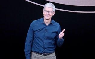 新iPhoneの発表会に登壇した米アップルのティム・クック最高経営責任者(CEO