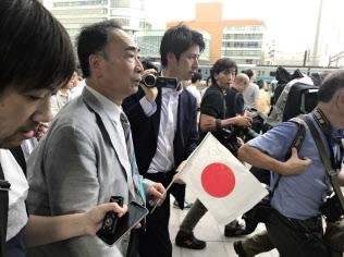 JR秋葉原駅前の演説会場にあらわれた森友学園の籠池前理事長(2017年7月1日)