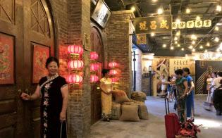 30年代の上海のレトロな街並みを再現した飲食街が7月に開業した