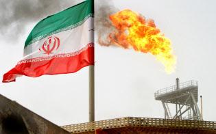 原油埋蔵量で世界4位のイランの生産が減る影響は大きい(イランの油田)=ロイター