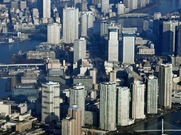 マンション立地は都心へのアクセスの重要性が増している(高層マンション群=東京都江東区、中央区)