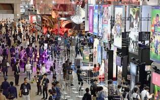20日、千葉市の幕張メッセで始まった世界最大級のゲームの展示会「東京ゲームショウ2018」=共同