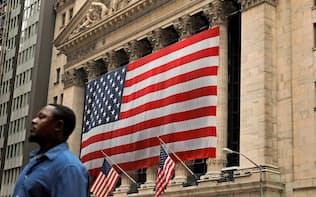 NY株は約8カ月ぶりに過去最高値を更新した(ニューヨーク証券取引所)=ロイター