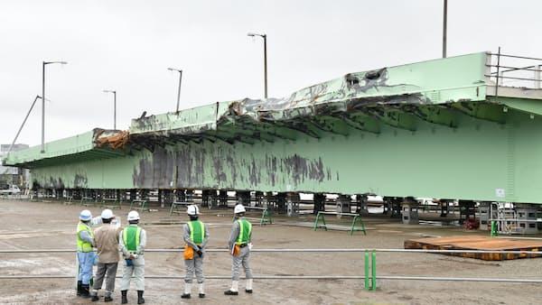 タンカー衝突の傷、生々しく 関空連絡橋の橋桁