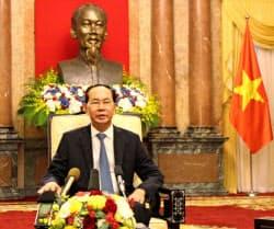 訪日を前に会見するチャン・ダイ・クアン国家主席(ハノイ)