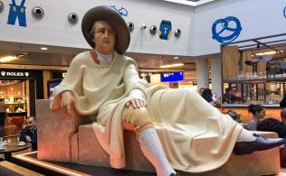 金融都市フランクフルトで文豪ゲーテは生まれた(フランクフルト空港にあるゲーテ像)
