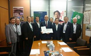 国などに道内農業の早期復旧へ支援を求めるJAグループ北海道幹部ら