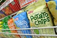 カルビーがフィリピンの合弁会社を通じて販売するポテトチップス