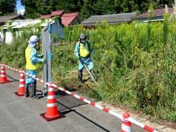 帰還困難区域で始まった復興拠点除染(28日午前、福島県飯舘村の長泥地区)