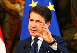 イタリアのコンテ首相はバラマキ型の政策を見直していない(18日、ローマ)=ロイター