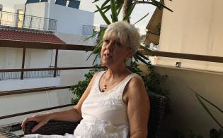 政府や国民の浪費が危機を招いたと自省するラニアさん(7月、アテネ近郊)