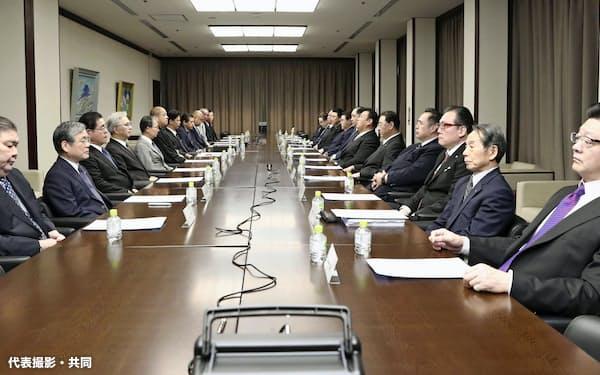 開かれた日本相撲協会の臨時理事会(1日、東京・両国国技館)=代表撮影・共同