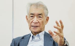 インタビューに答える京都大学の本庶佑特別教授(1日午後、京都市左京区)