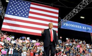 トランプ米大統領率いる与党・共和党は、中間選挙で苦戦を強いられている=ロイター