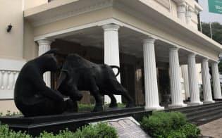 アジア新興国の株式市場でファンドの存在感が急速に高まっている。(ベトナム・ホーチミン証券取引所/撮影・小平龍四郎)