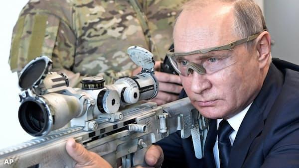 内外で問題山積のプーチン氏(The Economist)