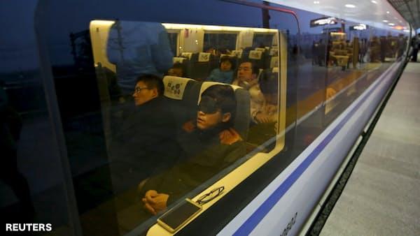 中国、相次ぐ「座席占拠」騒動の波紋